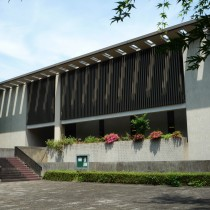 日本近代文学館全景