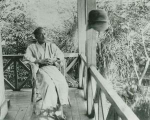 夏目漱石肖像(早稲田南町の漱石山房にて 大正3年2月)