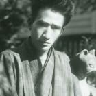 太宰治肖像(最初の小説集『晩年』の口絵写真)